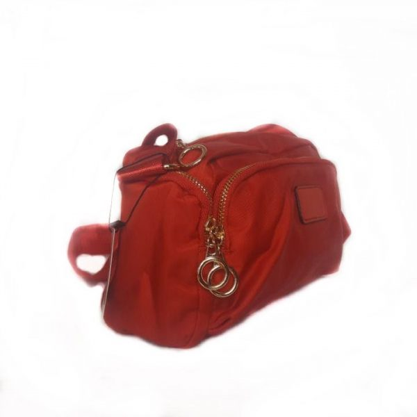 Bolso bandolera color rojo. Bolsillos laterales. Modelo 6036